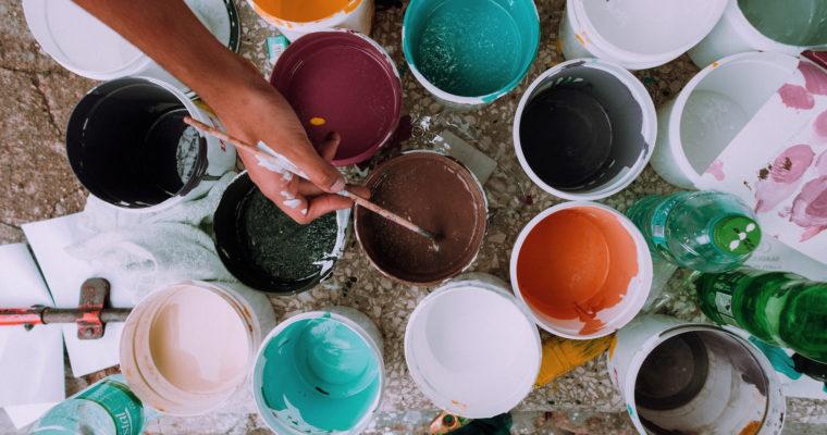 Jak trafnie pomalować pokój? Beztych zasad ani rusz!